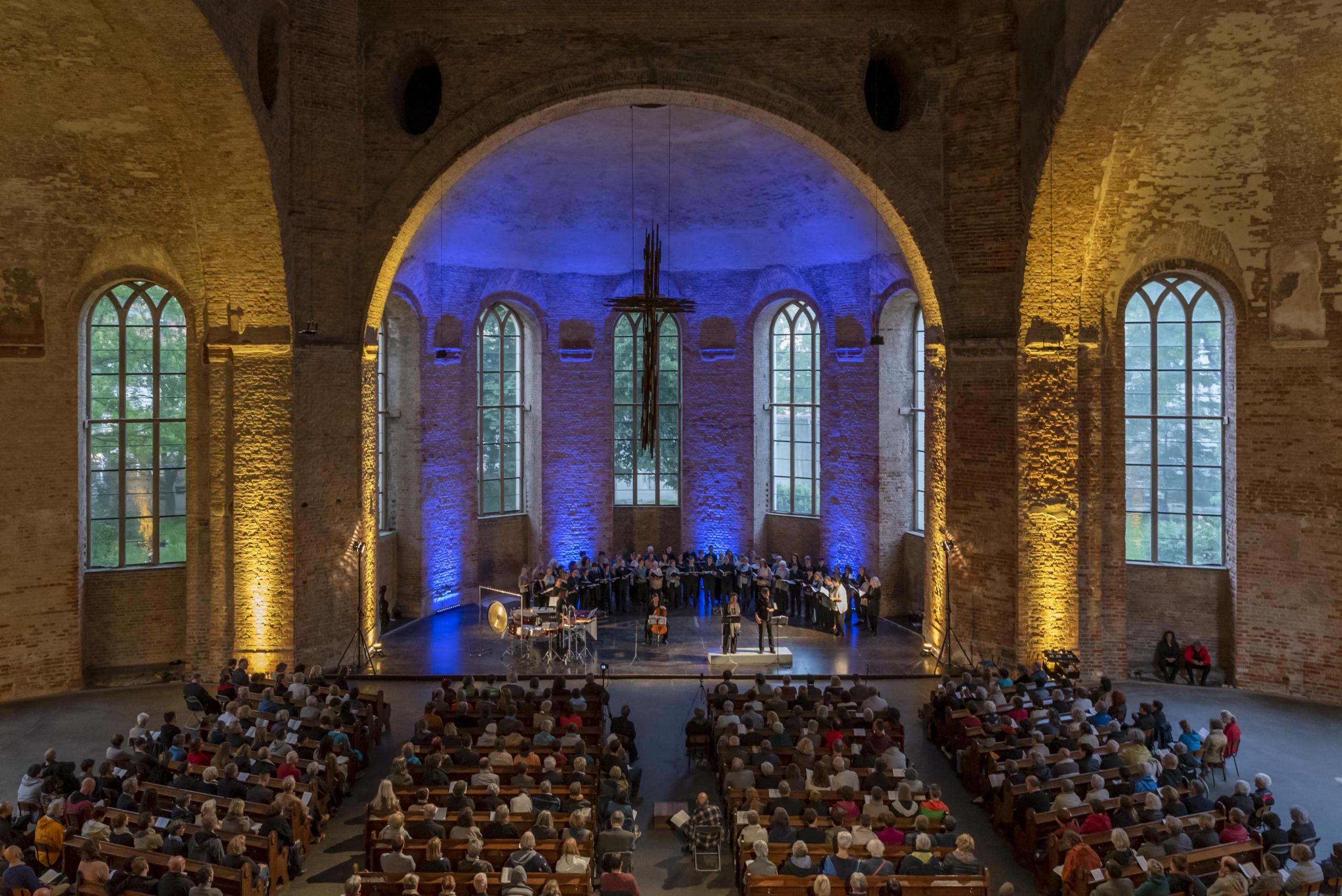 """Aufführung von """"Schnee"""" in der Parochialkirche"""